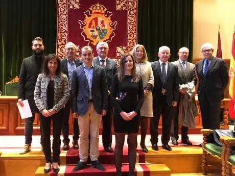 A presidenta do CES cos premiados e membros do xurado